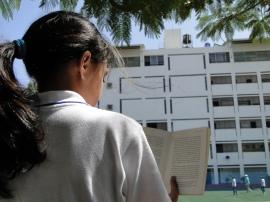 Nilofer BIS Reading Photo 15